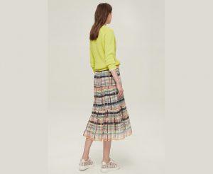 格纹百褶裙